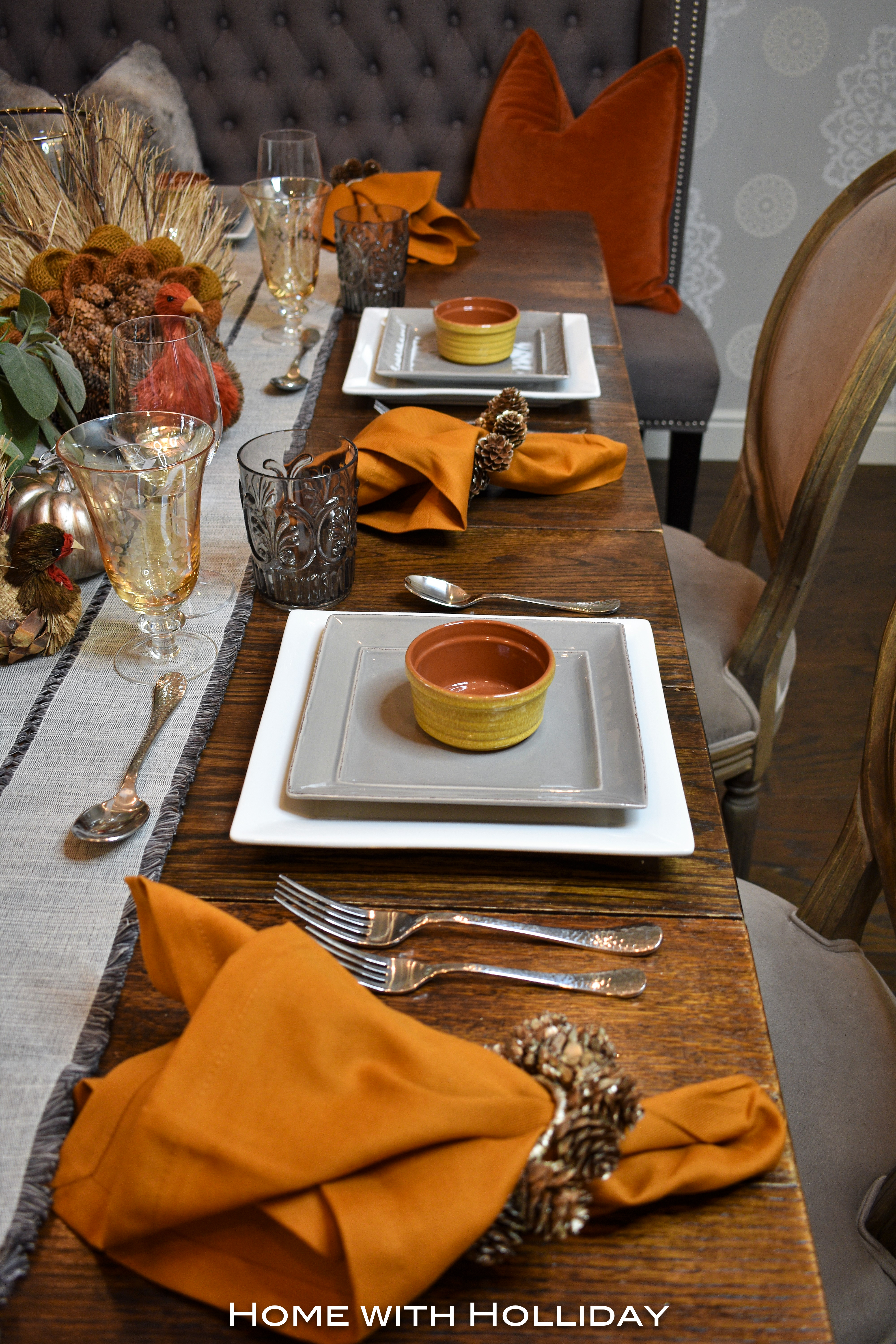 Place Settings for a Casual Fall Table Setting