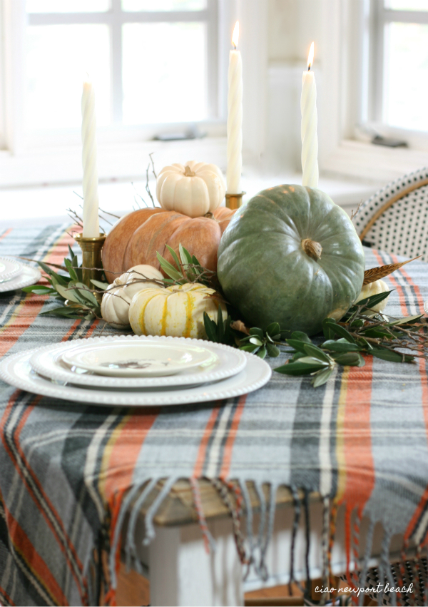 Creative Ideas for Fall or Thanksgiving Table Settings and Home Decor 25