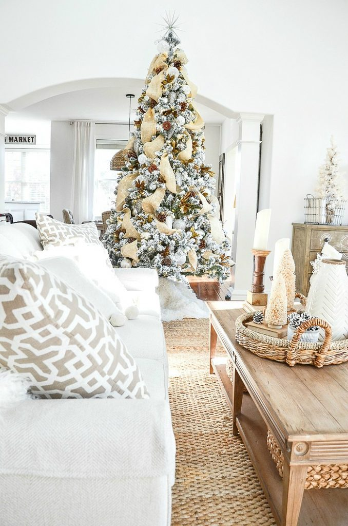 My favorite Christmas Trees of 2019 - Home with Holliday - StoneGable