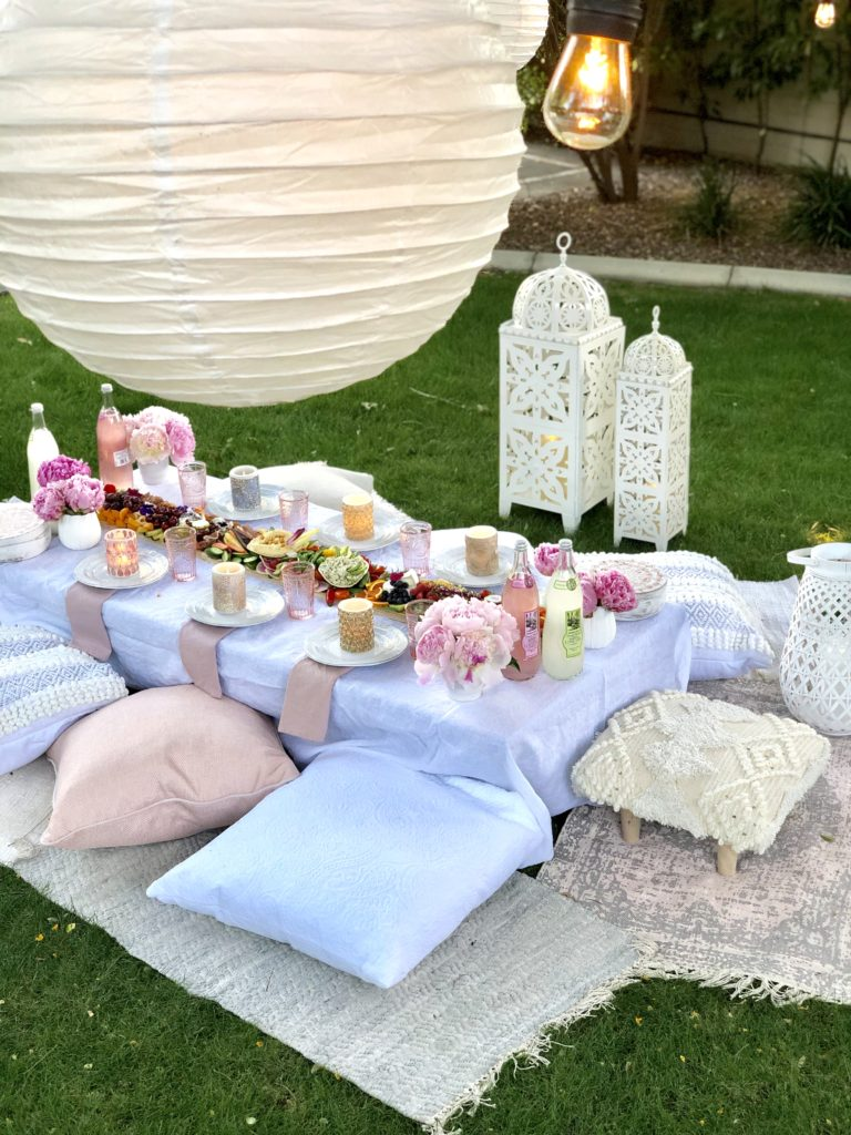 Fun Alfresco Dining Ideas - Home with Holliday