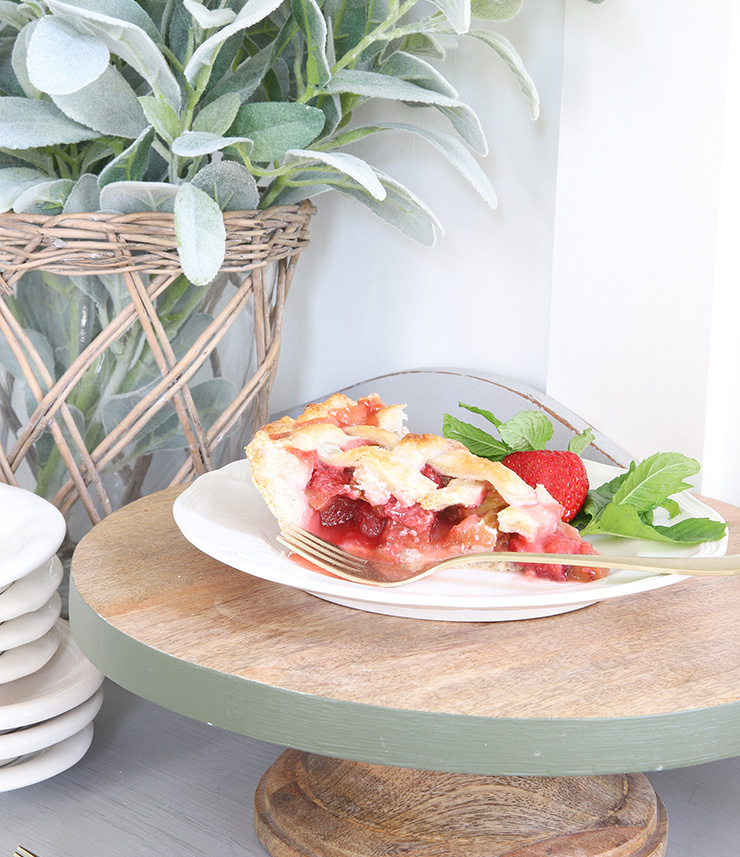 Summer Rhubarb Pie Recipe