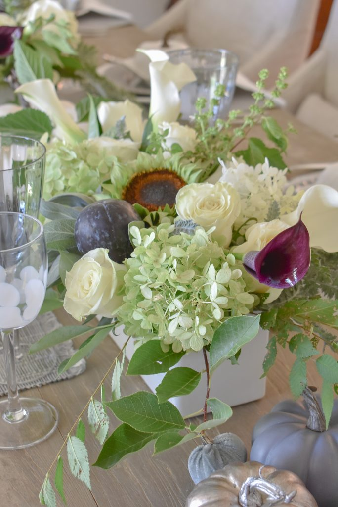 Live Flowers on a Fifty Shades of Grey and White Fall Tablescape