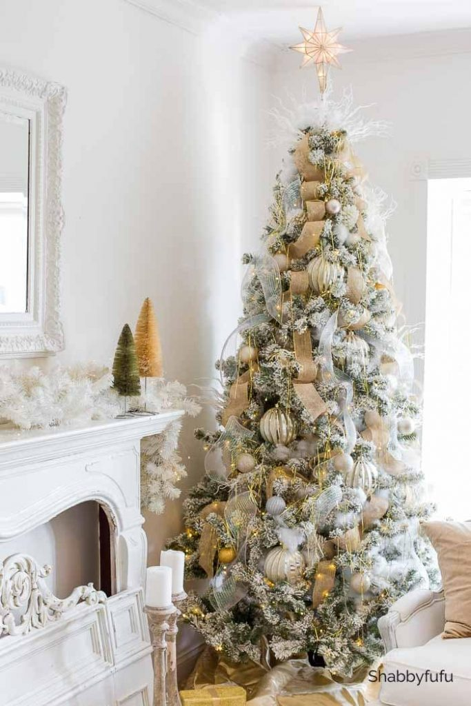 An elegant mixed metallic Christmas Tree