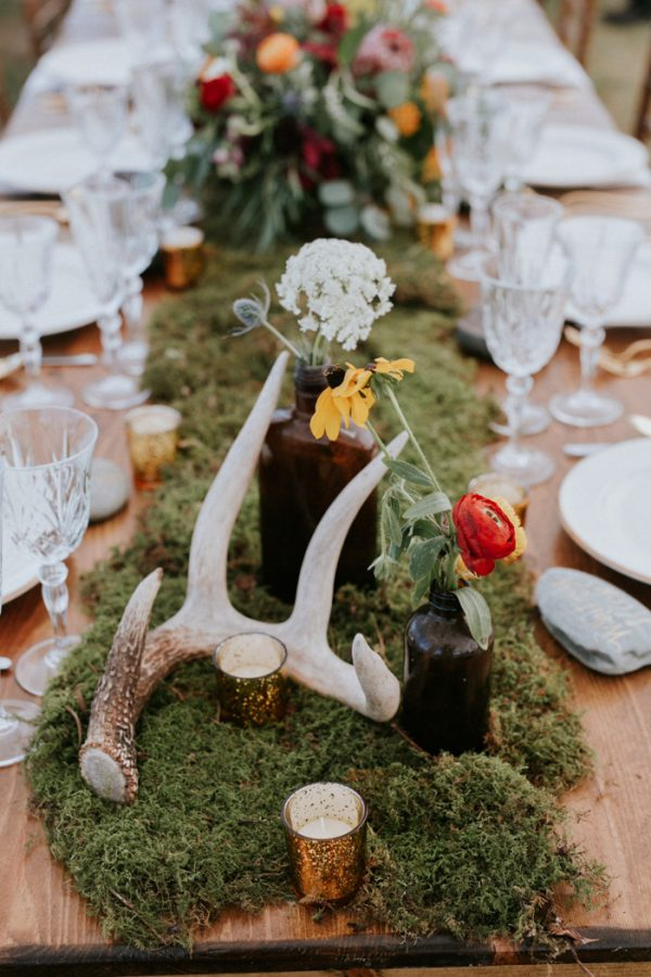 A moss themed rustic centerpiece