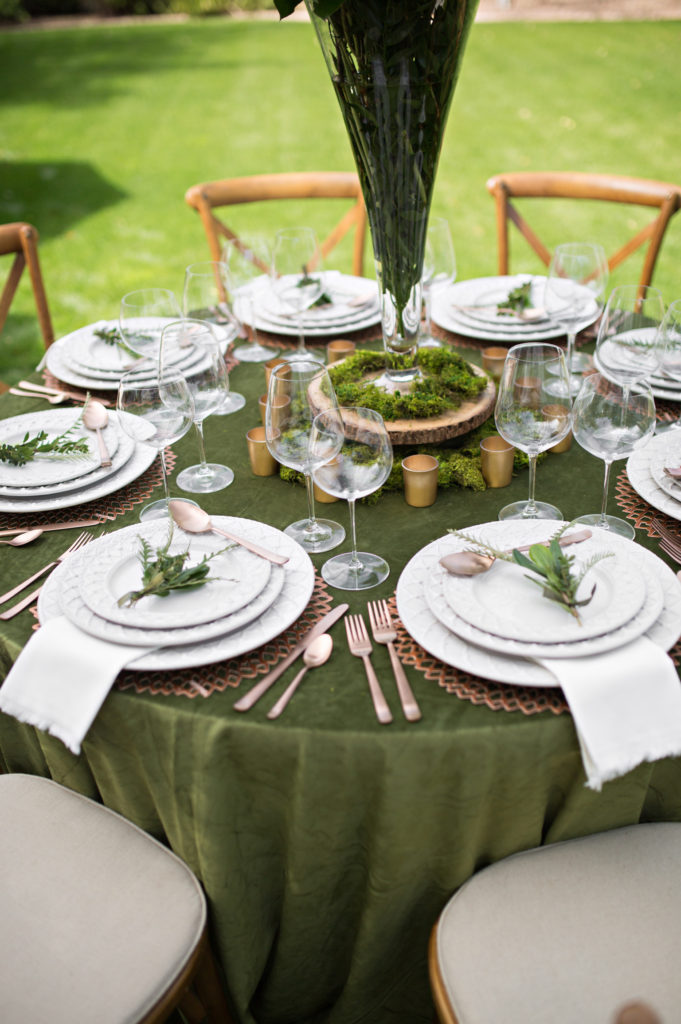 Round Green Table Setting using Moss