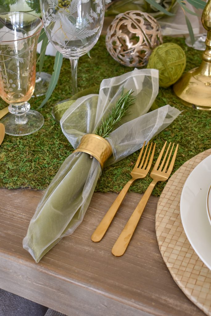 Organza Napkins on a Fresh Green and White Spring Table Setting for Easter