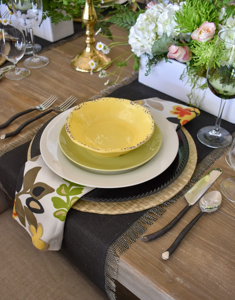 The place setting on a Spring Tablescape with Bold Colors