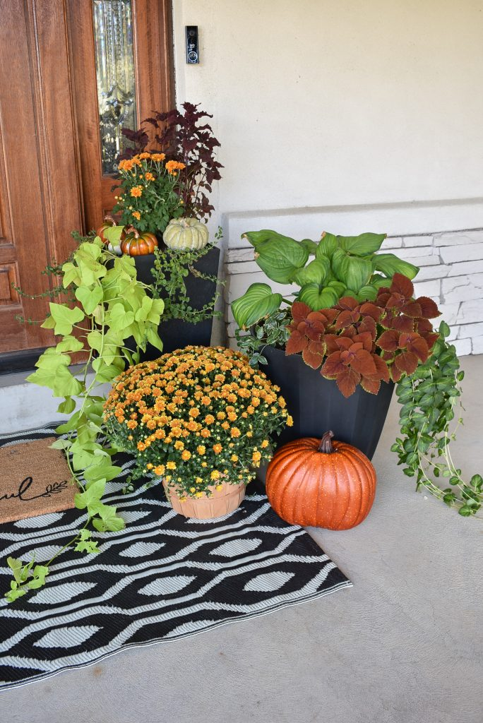 Cozy Ideas for Decorating your Outdoor Spaces for Fall